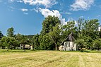 Deutsch-Griffen Spitzwiesen Bauernhaus und Filialkirche hl Johannes 1750 13062017 9303.jpg