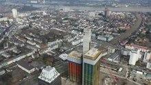 Datei:Deutschlandfunk und Ex-Deutsche Welle Köln – Drohnenflug Februar 2020.webm