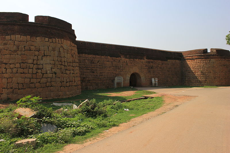 File:Devanahalli fort, near Bangalore.JPG