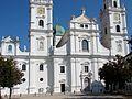 Dom St. Stephan Passau Westfassade 03.jpg
