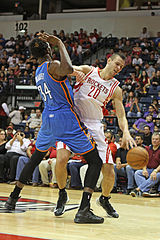 Donatas Motiejūnas w barwach Houston Rockets (NBA).