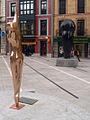 Dos esculturas (Oviedo).jpg