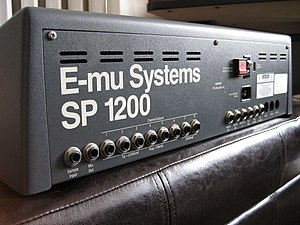 E-mu SP-1200 - Image: E mu SP 1200 back panel