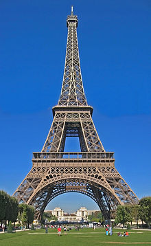 220px-Eiffel_Tower_Day_Sept._2005_%2810%29