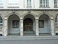 Eingangsportal des Luisengymnasiums.jpg