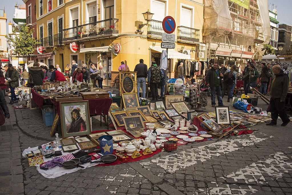 Marché aux puces El Jueves de Séville - Photo d'Anual