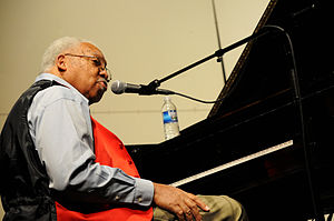 Ellis Marsalis October 2010.jpg