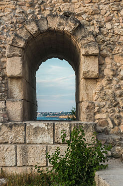 Embrasure in Curtain XIX Chersonesos Taurica.jpg
