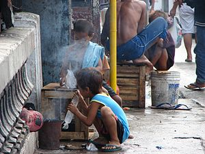Child poverty - Street children in the Philippines