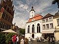 Evangelische Kirche Xanten mit Gotischem Haus.jpg