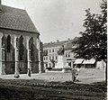 Fő tér (Hlavné namestie), balra a Szent Mihály-templom, jobbra a Honvéd-szobor (Horvay János, Szamovolszky Ödön, 1906.). Fortepan 101126.jpg