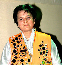 Falguni Pathak at her dandiya show in Goregaon Sports.jpg