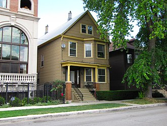 Family Matters - The Family Matters house in Chicago (depicted as the Winslow family home) in 2010. The structure to the left did not exist at the time the show's exterior shots were filmed.