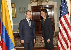 Fernando Araújo Perdomo - Araújo with Condoleezza Rice.