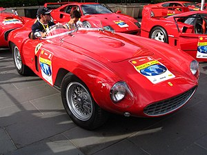 Ferrari 750 Monza Scaglietti Spyder - front right (Crown Casino, Melbourne, Australia, 3 March 2007).JPG