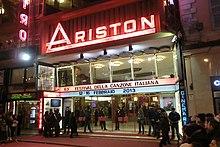 Il Teatro Ariston di Sanremo, sede del Festival dal 1977 al 1989 e dal 1991, durante l'edizione 2013.