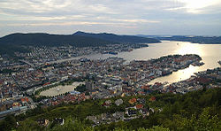 Fløyen view on Bergen edit.jpg