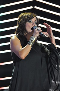 Flickr Martina McBride performing in 2010.jpg