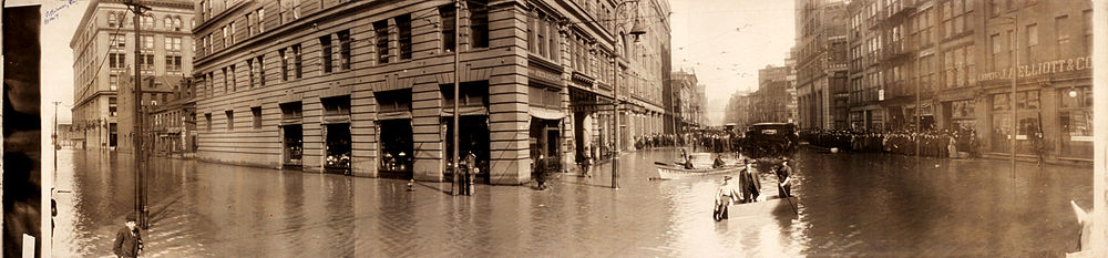 Flooded Fifth & Liberty St. intersection, Pittsburgh, Pennsylvania, 1907.jpg