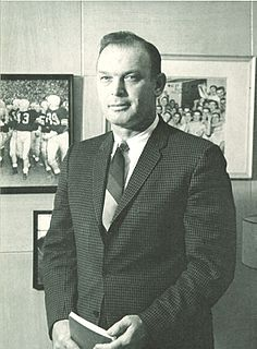 Forest Evashevski American football player, coach, and administrator