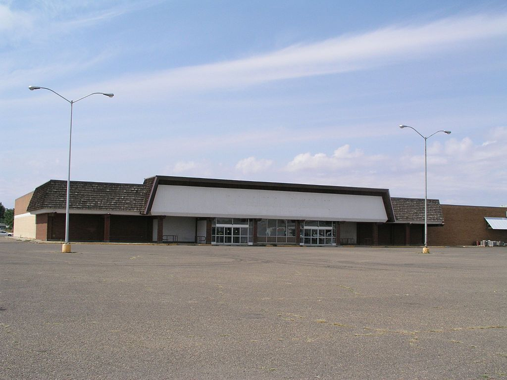 file former safeway miles city mt jpg wikimedia commons