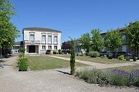 Ратуша Орадур-сюр-Глан