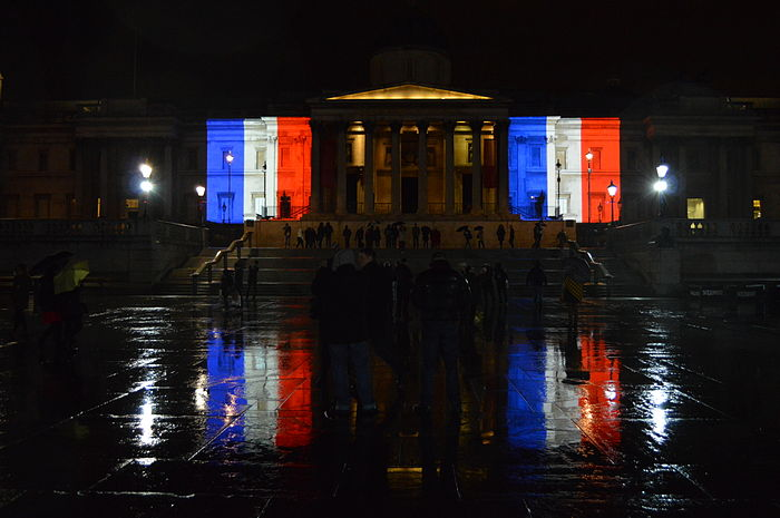 French flag projected onto The National Gallery, Trafalgar Square, London.JPG