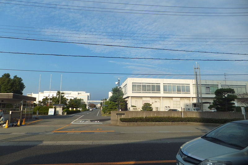 File:Fujitsu Akashi factory in 2013.JPG