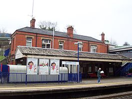 Gerrards Cross railway station 1.jpg