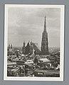 Gezicht op de Stephansdom in Wenen Wien, Panorama (titel op object), RP-F-F20266.jpg