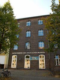 Gipsformerei Berlin Charlottenburg Aussen 002.jpg