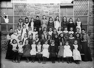 Girls of the national school, Llanymddyfri (1891)