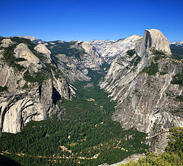Zicht van Glacier Point op Yosemite Valley en Half Dome