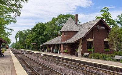 Glencoe Metra Station 20120722.jpg