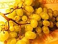 Grapes (4791921809).jpg