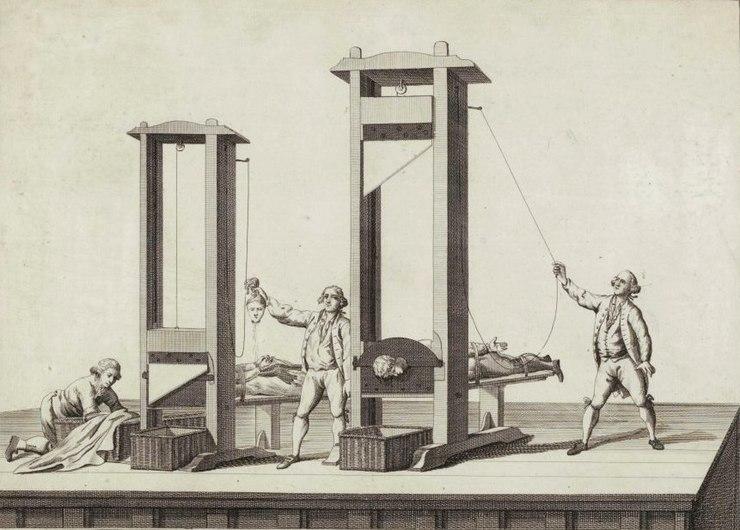 Guillotine, Musée de la Révolution française.jpg