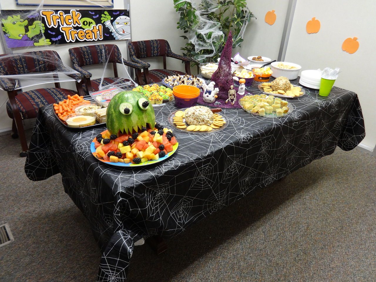 File Halloween Snacks Valdosta Office Jpg Wikimedia Commons