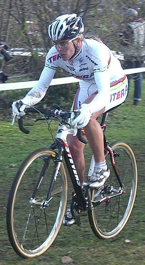 Hanka Kupfernagel - Kupfernagel competing in cyclo-cross in 2008