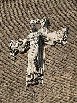 Heerlen-St. Claracollege met Heilig Hartbeeld (4).JPG