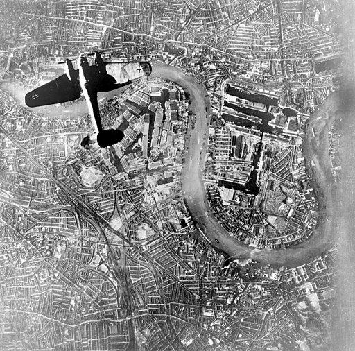 Heinkel He 111 over Wapping, East London