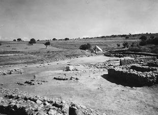 Helhetsbild från sydväst. Ajia Irini. utgrävning. Αγια Ειρηνη - SMVK - C02463.tif