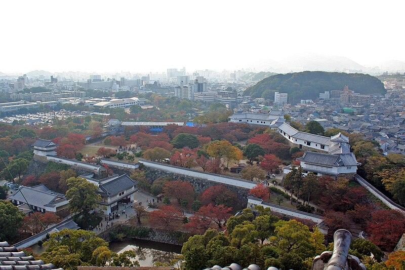 Saludos me llamo Julio 800px-Himeji_Castle_No09_130