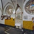 Interieur, gang met tappunt, water uit wonderdoende bron - 20000651 - RCE.jpg