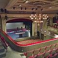 Interieur, overzicht zaal en toneel vanaf het balkon - Kampen - 20335543 - RCE.jpg
