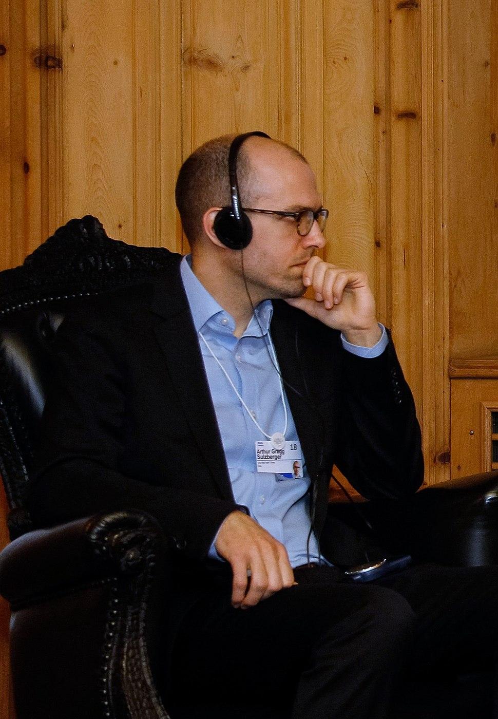 Interview Arthur Gregg Sulzberger and Michel Temer - Davos - 24012018- crop
