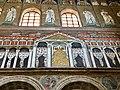 Italie, Ravenne, basilique Sant'Apollinare Nuovo, mosaïque du palais de Theodoric (48087107457).jpg
