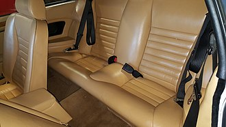 2+2 (car body style) - Rear seats of a 1982 Jaguar XJS HE coupé