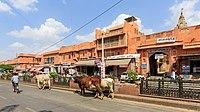 Jaipur 03-2016 26 Hawa Mahal Road at the City Palace.jpg