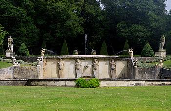 Terrasses fontaines et statues l 39 italienne du jardin d for Jardin l encyclopedie
