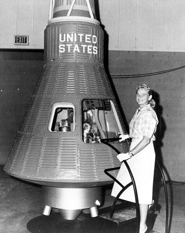 File:JerrieCobb MercuryCapsule.jpg - Wikimedia Commons